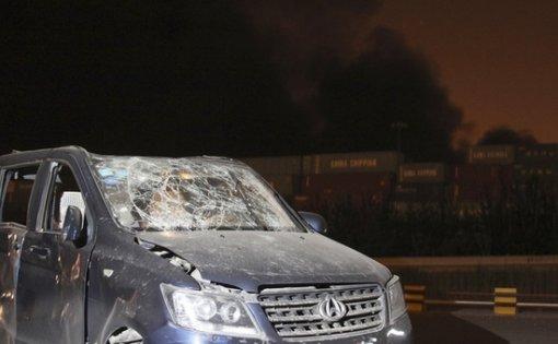 톈진항에서 발생한 폭발사고 인근에 주차된 차량이 크게 파손됐다.